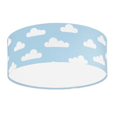 Plafon chmurki na błękitnym