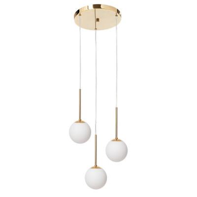 Złota lampa wisząca LAMIA PLAFON 3 trzy klosze kule białe detale złote transparentny przewód KASPA
